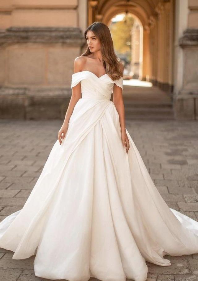 Carmen Ausschnitt, A-Linie und 2020 Brautkleid M-2236