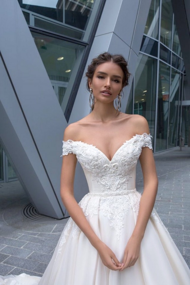 Low Shoulder and A-Line Wedding Dress M-2240