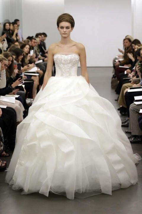 Ball Gown and Strapless Straight Wedding Dress M-176
