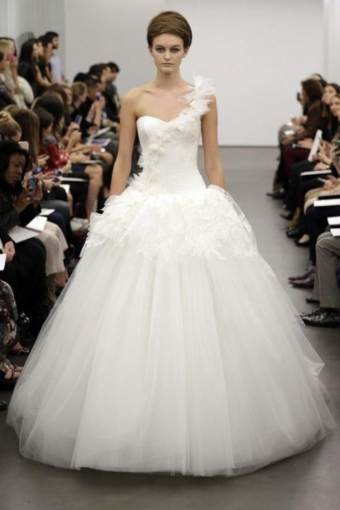 Ball Gown and One Shoulder Wedding Dress M-181