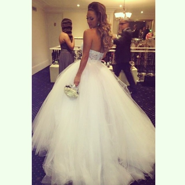 Ball Gown, Strapless Straight and Fluffy Wedding Dress M-1378
