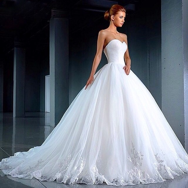 Ball Gown, Fluffy and Strapless Sweetheart Wedding Dress M-1387