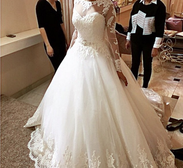 Ball Gown, Sleeves, Strapless Sweetheart and Lace Wedding Dress M-1537