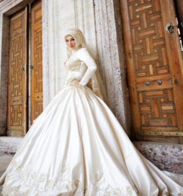 Hijab and Ball Gown Wedding Dress M-1744