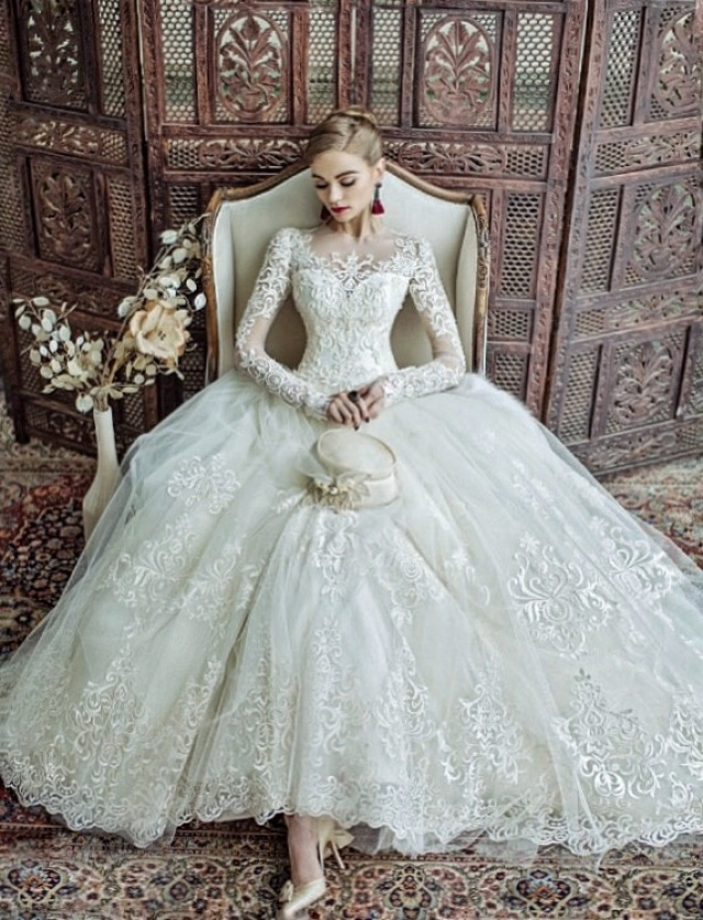 Ball Gown, Sleeves, Lace, Fluffy and Vintage - Retro Wedding Dress M-2213