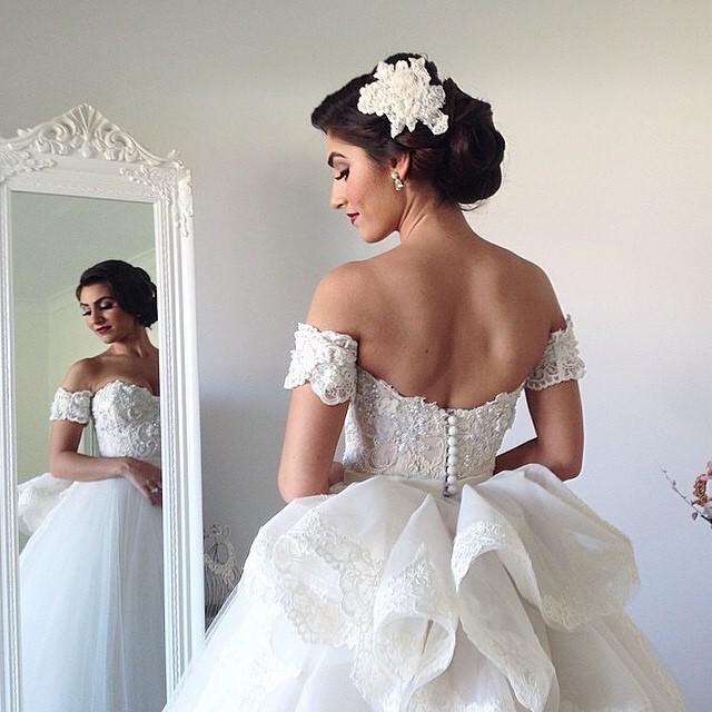 Ball Gown, Low Shoulder, Fluffy and Backless, Lace Back, V Back, Back Details Wedding Dress M-1193