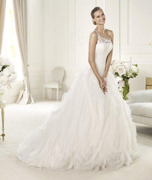 A-Line and One Shoulder Wedding Dress M-496